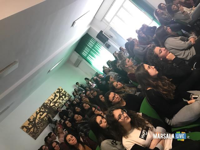 Liceo Rosina Salvo Trapani-Nessun parli (5)