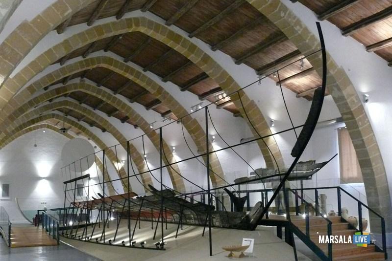 La Sala Nave punica con la passerella per la visita (2)