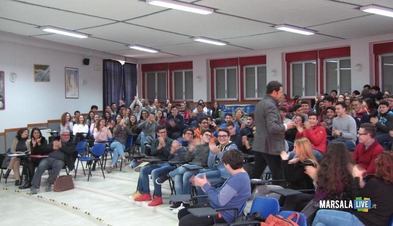 Lab Socrate e la Nuvola Rosa Liceo Ruggieri Marsala 1 Feb 2018 3