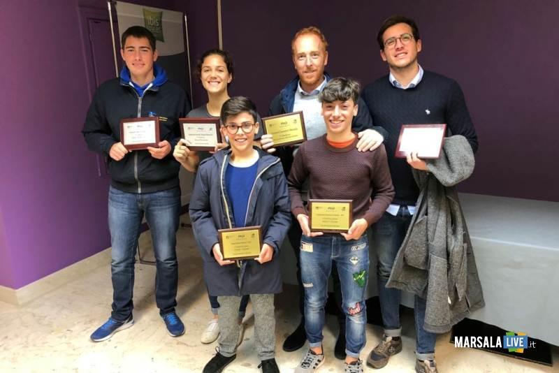 premiazioni assemblea FIV agli atleti della soc. Canottieri Marsala