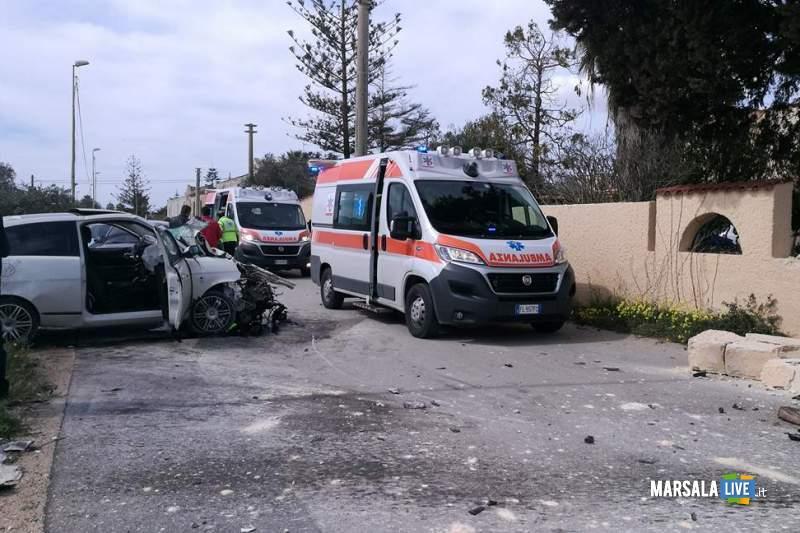 Marsala incidente contrada Ventrischi auto contro un muro (9)