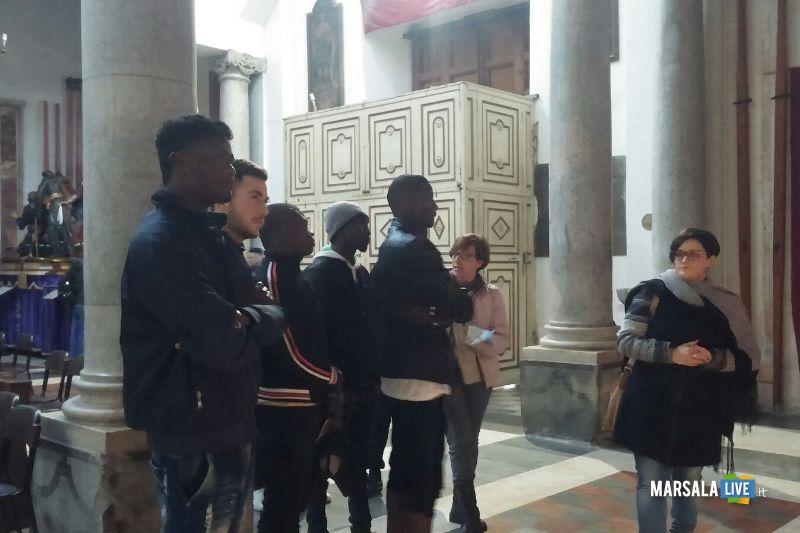 Misteri migranti in visita alla Chiesa del Purgatorio (1)