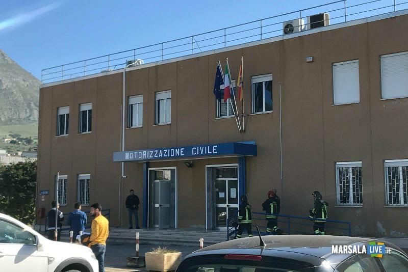 Allarme bomba alla motorizzazione civile di Trapani (1)