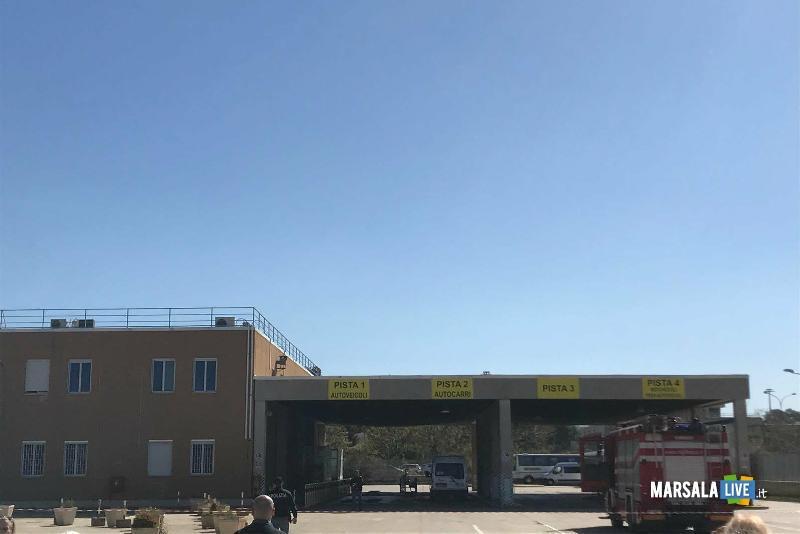 Allarme bomba alla motorizzazione civile di Trapani (4)
