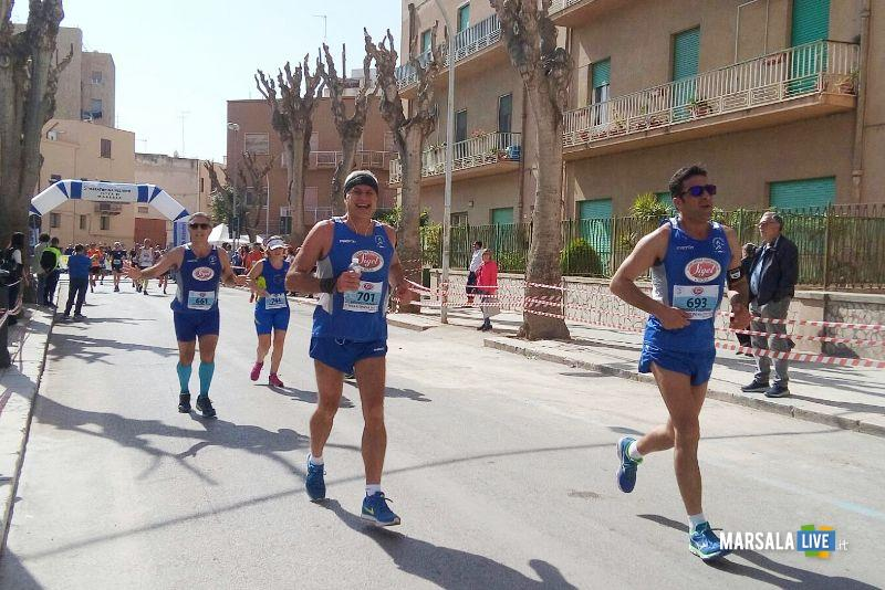 - Atl. - Quinta edizione Maratonina del Vino - una fase della gara (1)