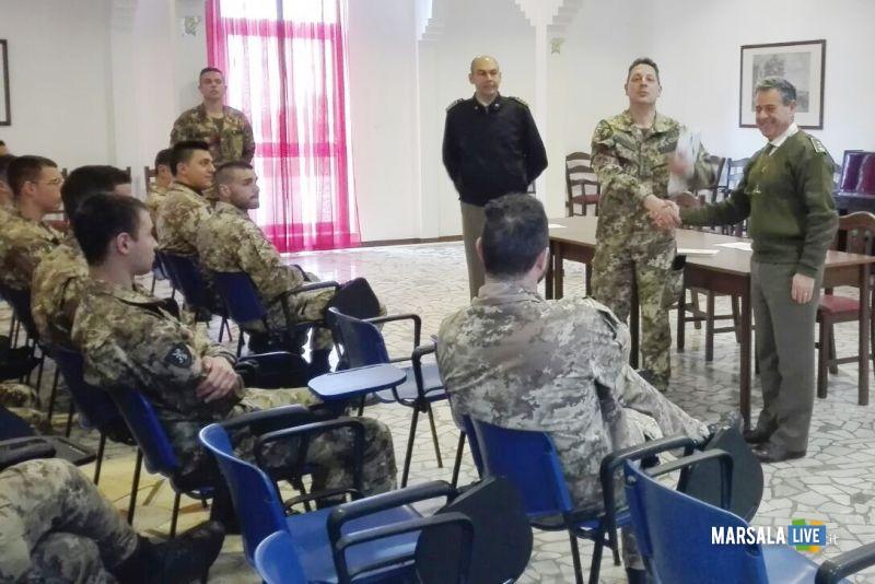 il colonnello agostino Piccirillo saluta il relatore