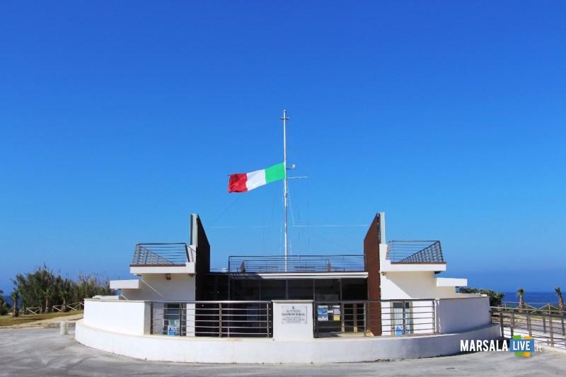 Tricolore al Monumento ai Mille (1)