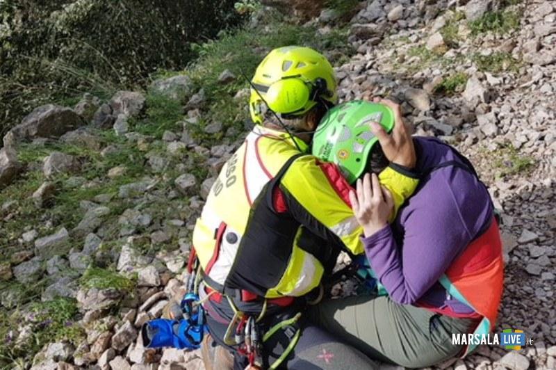 Una fase del recupero della escursionista