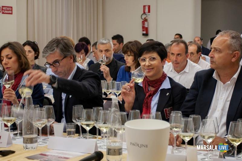 Marsala, seminario_degustazione con Luigi Moio profumi del vino (1)