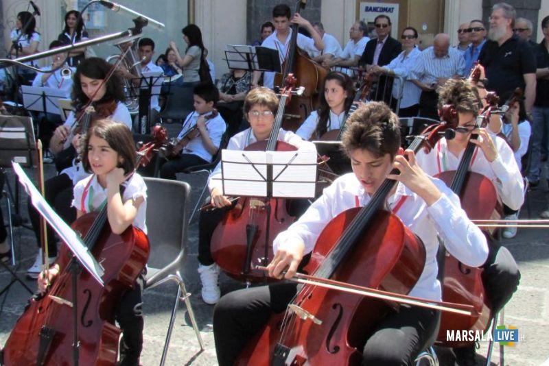 Orchestra-falcone-Borsellino-piazza-Università