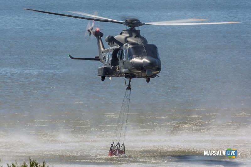 HH139A NELLA FASE DI CARICO ACQUA