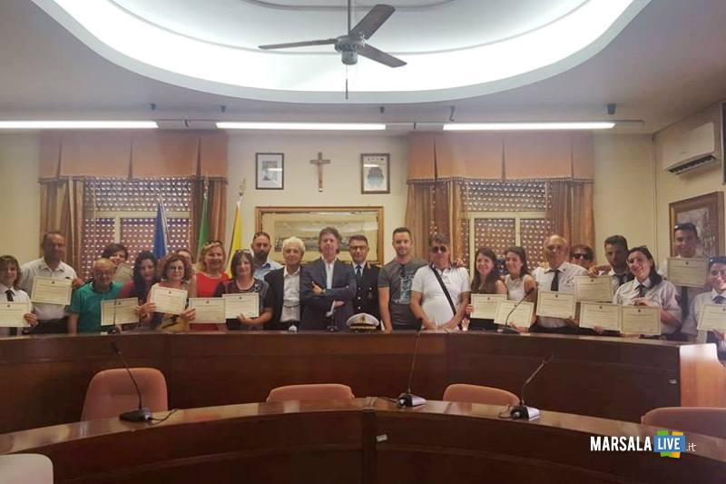 sindacoGiuseppeCastiglioneAssessoreNinoAccardoComandantePmGiuliano Panierino e ispettori volontari_02.07.2018