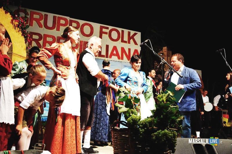 sagra sfincia - notte folk - petrosino piazza biscione (1)