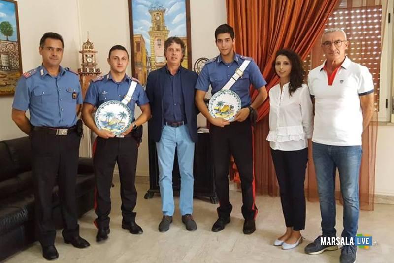sindacoGiuseppeCastiglioneMarescialloVincenzoBonura_incontro giovani allievi carabinieri 24.08.2018