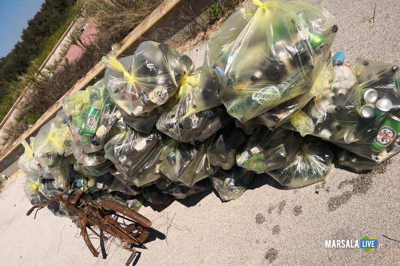 Marsala - 3 Consiglieri comunali pulito nuova piazza incompiuta Strasatti (6)