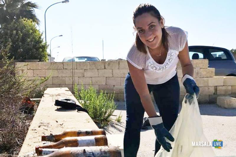 Marsala - 3 Consiglieri comunali pulito nuova piazza incompiuta Strasatti (8)