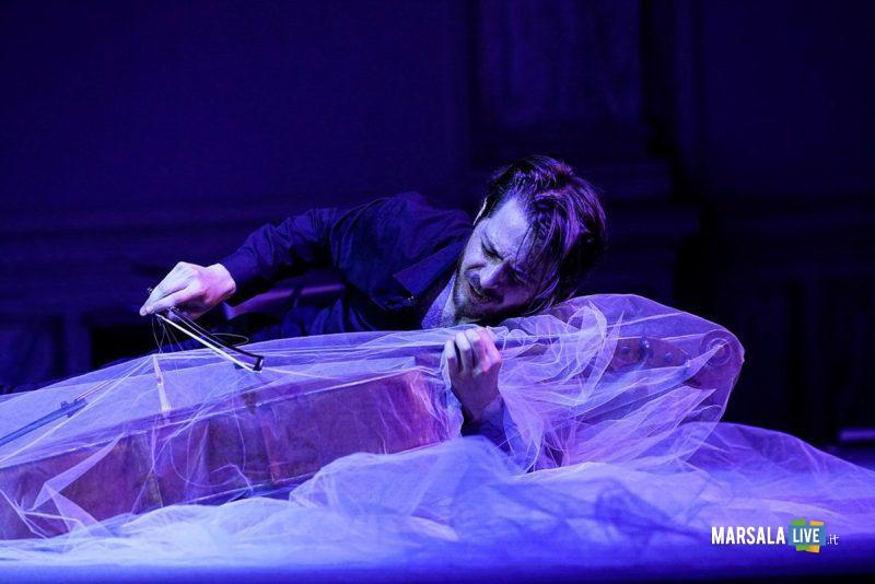 10-feb-michele-Marco-Rossi-performer-cello-1200x801