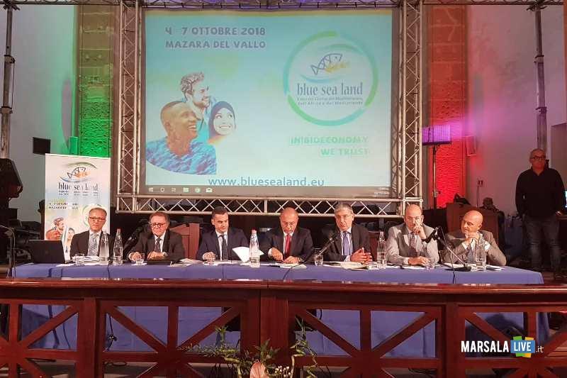 Convegno Internazionalizzazione e Cooperazione_ Da dx Turano_Bartolo_De Luca_Falgares_Bandiera_Salerno_Moschitta