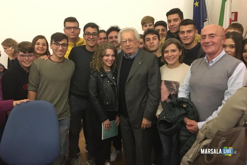 alunni del Abele Damiani incontrano il preside Ruggieri (2)