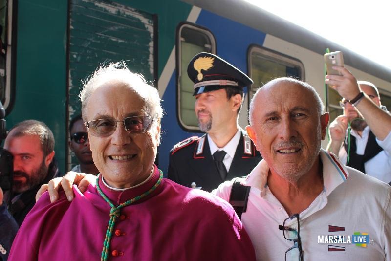 gaspare barraco con il vescovo Mogavero