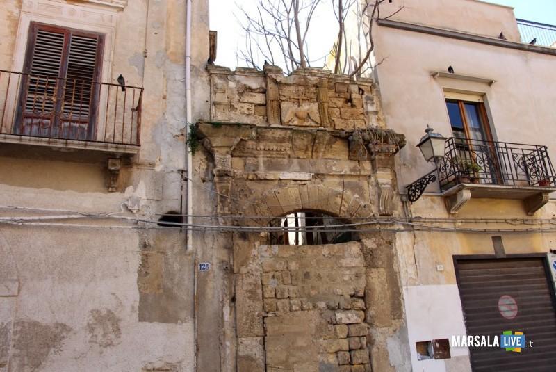 2 - Chiesa San Michele Portale via XIX LUglio