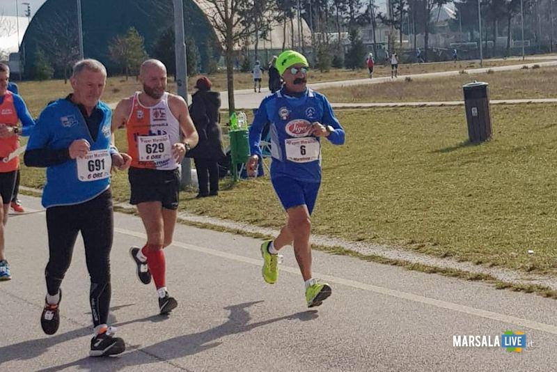 - Atl. - Michele D'Errico (n. 6) alla Supermaratona di Fano