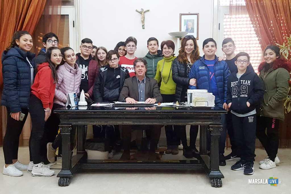 sindaco Castiglione incontra studenti progetto pon Cittadini d'Europa_marzo 2019