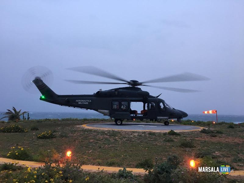 elicottero 82° Centro CsarTrapani decollato per salvare 2 uomini