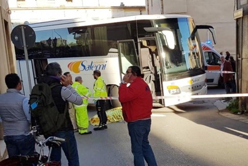 Investita da un bus di linea, castelvetrano