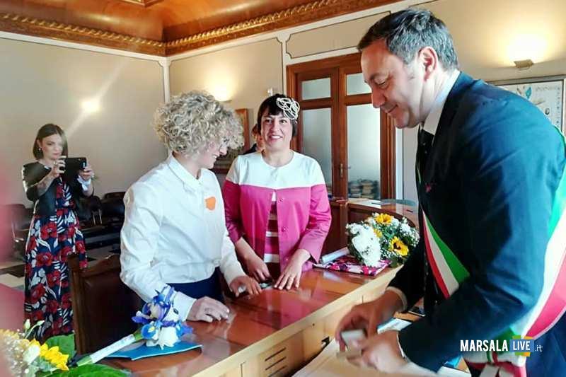 c36c990cae90 Celebrata dal sindaco la prima unione civile tra donne a Favignana