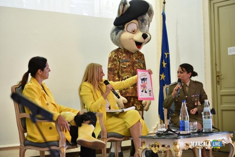 Intervento di Stefania Petyx e la caporal maggiore scelto Valeria Galizzi.