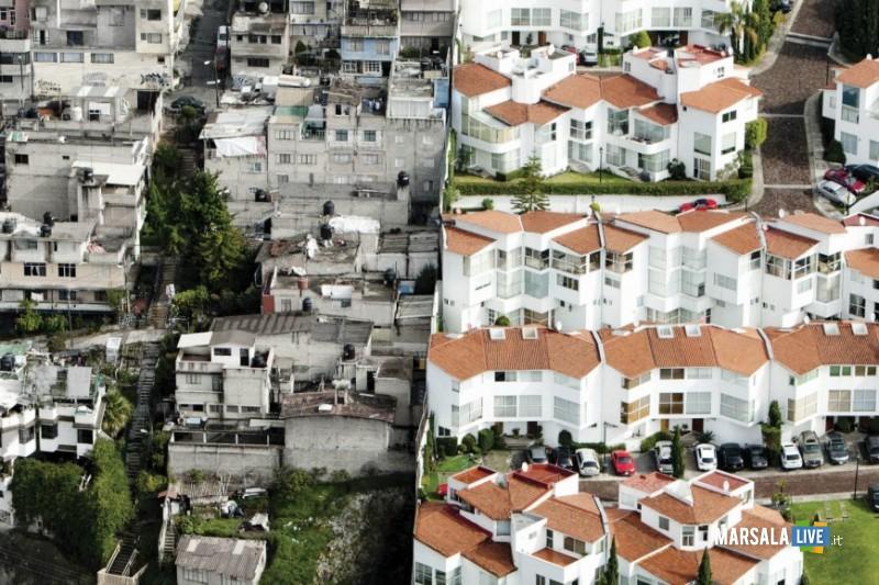 società, ricchezza e povertà