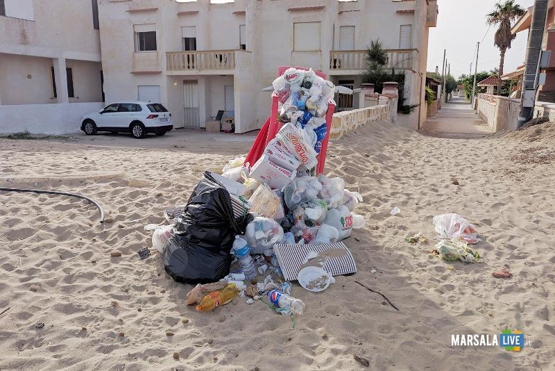 Michele Pipitone, munnizza spiaggia mare spazzatura (1)