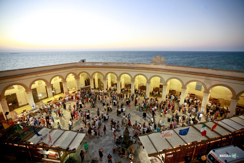 Piazza Mercato del Pesce2