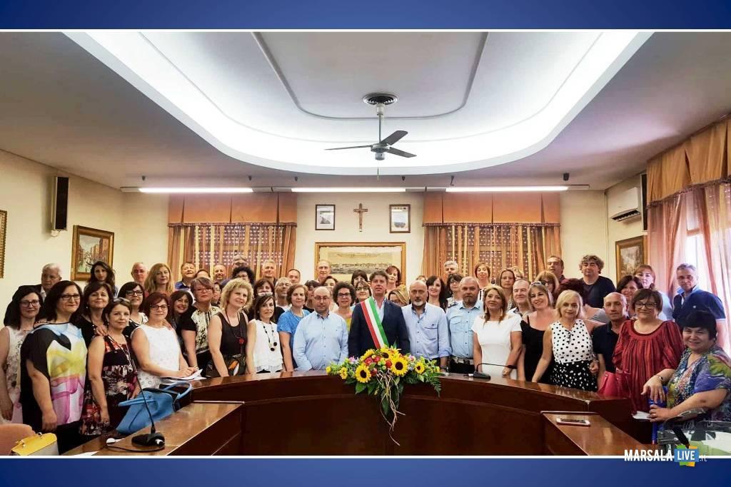cerimonia stabilizzazione precari Campobello_firma contratti