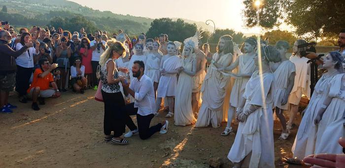 Proposta di matrimonio all'alba nella Valle dei templi 2019