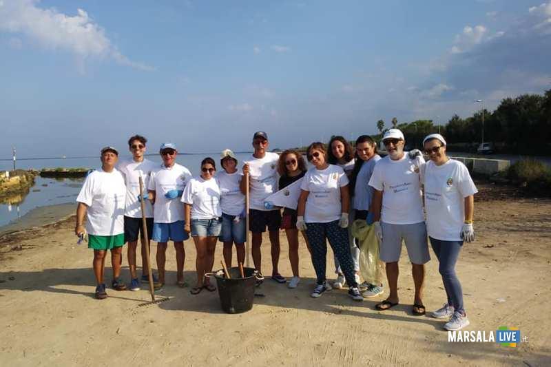 Pulizia spiaggetta contrada Spagnola Progettiamo Marsala 2019