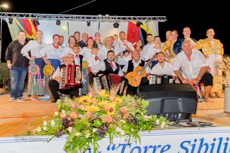 Sagra della Sfincia e Notte Folk 2019, piazza Biscione Petrosino (26)