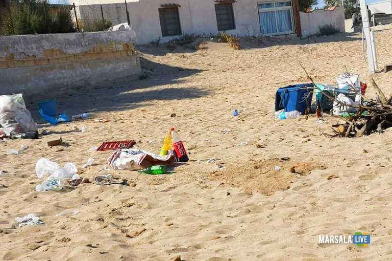 spazzatura, spiaggia marsala