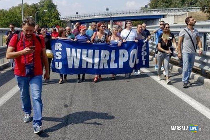 4742518_1433_napoli_protesta_operai_whirlpool_bloccata_autostrada