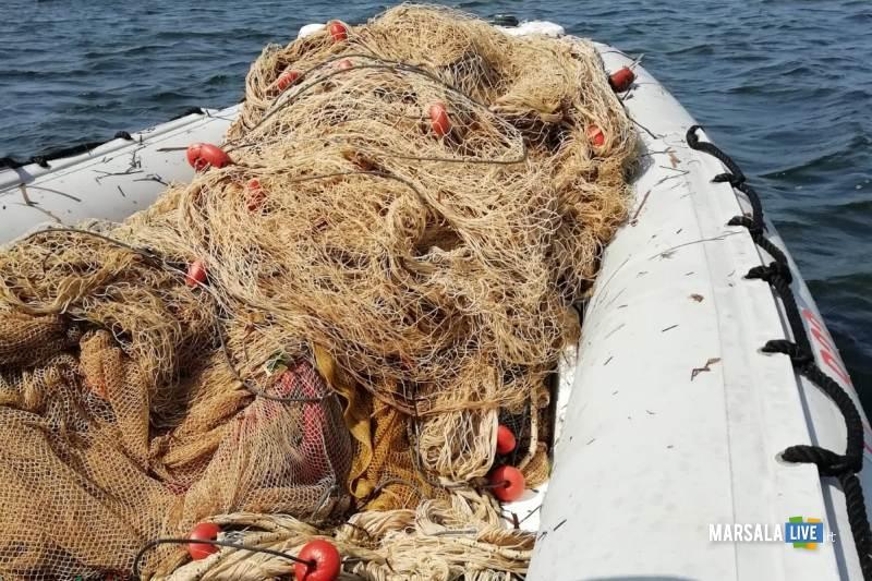 Guardia Costiera Marsala sequestra sciabiche Riserva dello Stagnone (2)