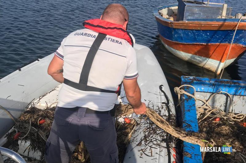 Guardia Costiera Marsala sequestra sciabiche Riserva dello Stagnone (3)