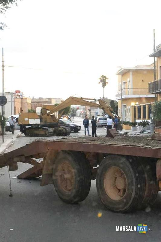 Marsala, sradicato bancomat con escavatore a Terrenove-Bambina (1)
