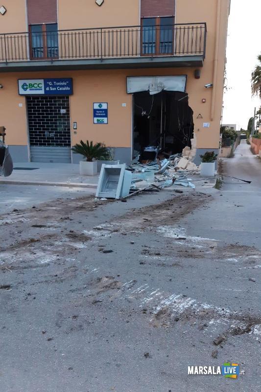 Marsala, sradicato bancomat con escavatore a Terrenove-Bambina (5)