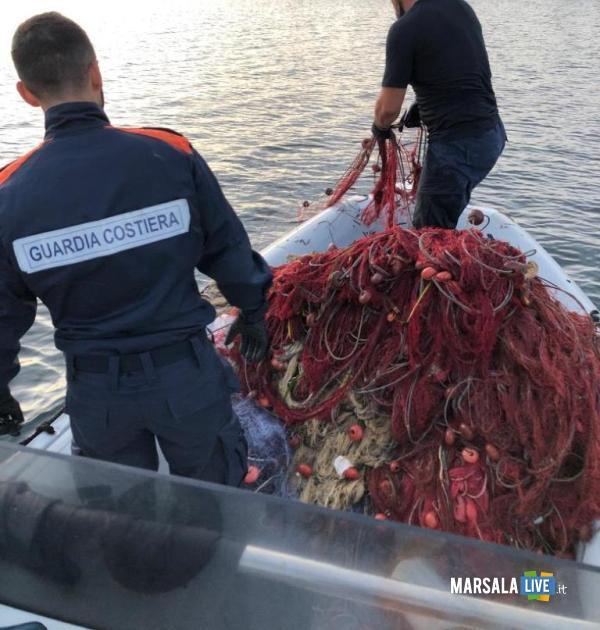 Sequestro reti porto, guardia costiera Marsala (1)