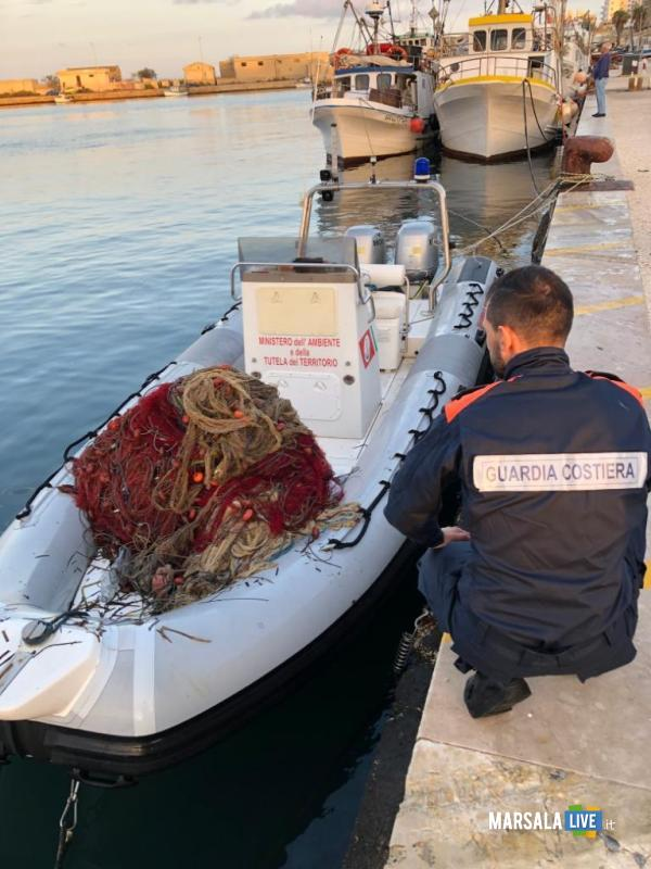 Sequestro reti porto, guardia costiera Marsala (2)