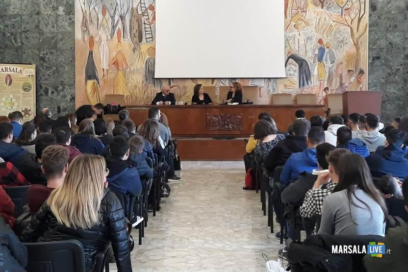 Istituto Abele Damiani di Marsala incontrano Piera Aiello (3)