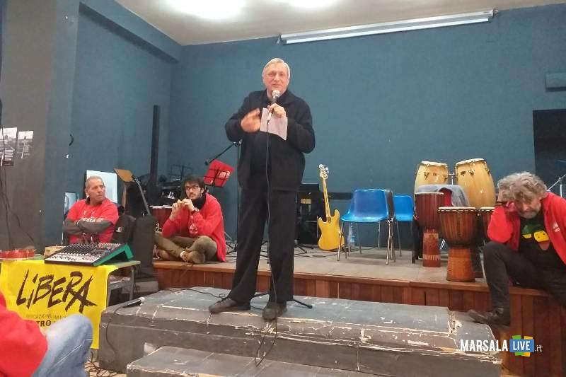 vittorio alfieri intervista don luigi ciotti, marsala (4)