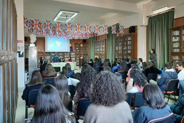 Liceo Classico Giovanni XXIII Marsala, cyberbullismo contro le violenze (3)