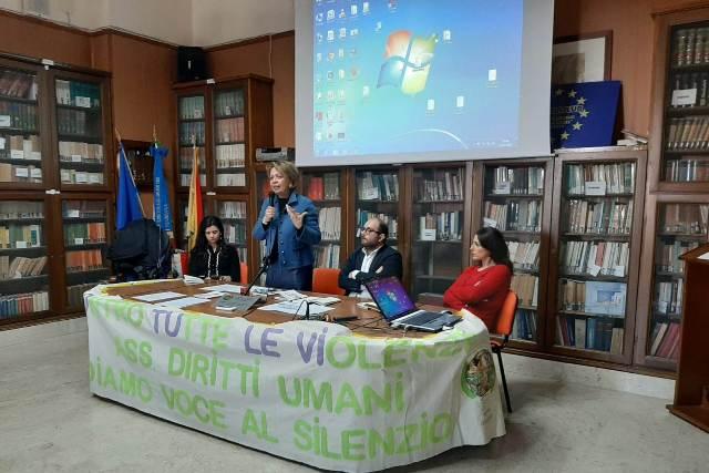 Liceo Classico Giovanni XXIII Marsala, cyberbullismo contro le violenze (5)